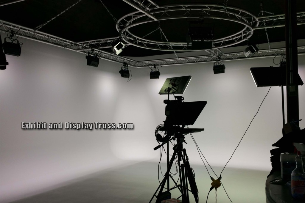 Definition Lighting Truss refers to aluminum truss that can support lighting and moving heads